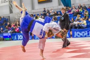 13.12.2015 EIS, Sheffield,England. Action from the women u70kg. Megan Fletcher (w) throws Rachel Hawkes (b)
