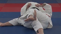 kesa gatame escape Step 2